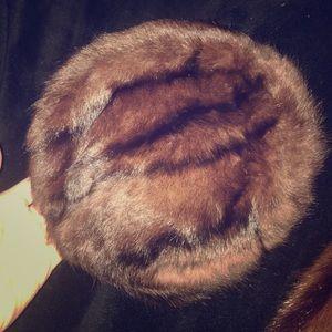 Accessories - Vintage mink fur pillbox hat